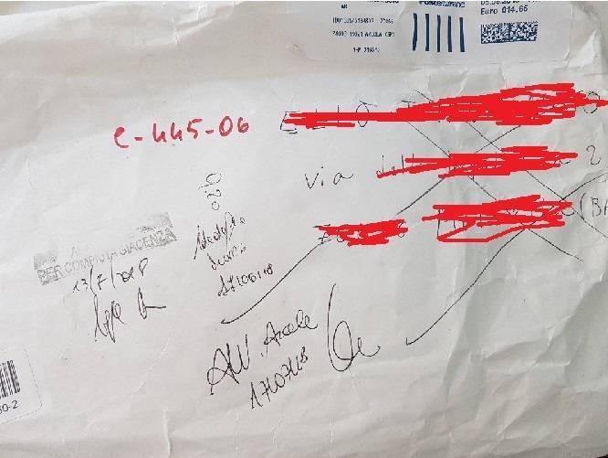 pacco compiuta giacenza